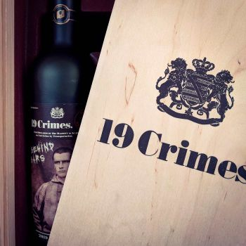 19 Crimes Red Wine Behind Bars - 2 Weine in Holzkiste
